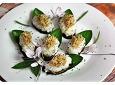 특유의 향과 물컹거리는 식감을 완화한 구수한 가지초밥